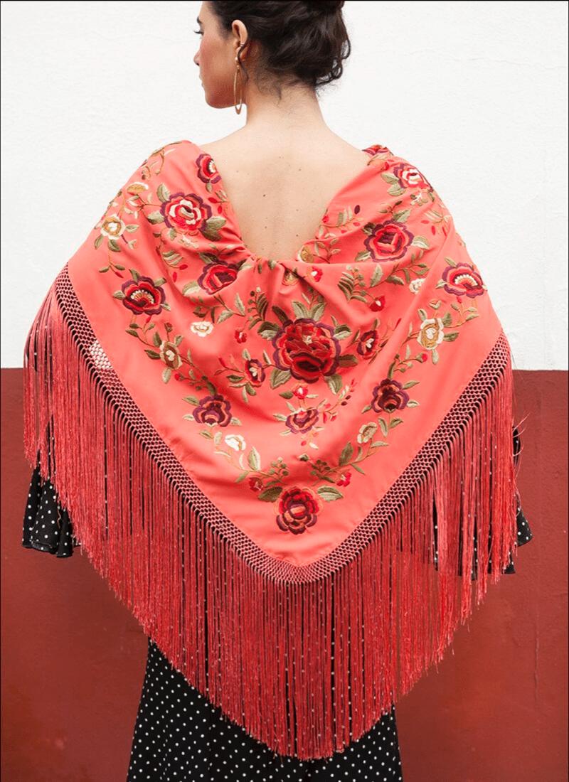 Mantón coral flores rojas