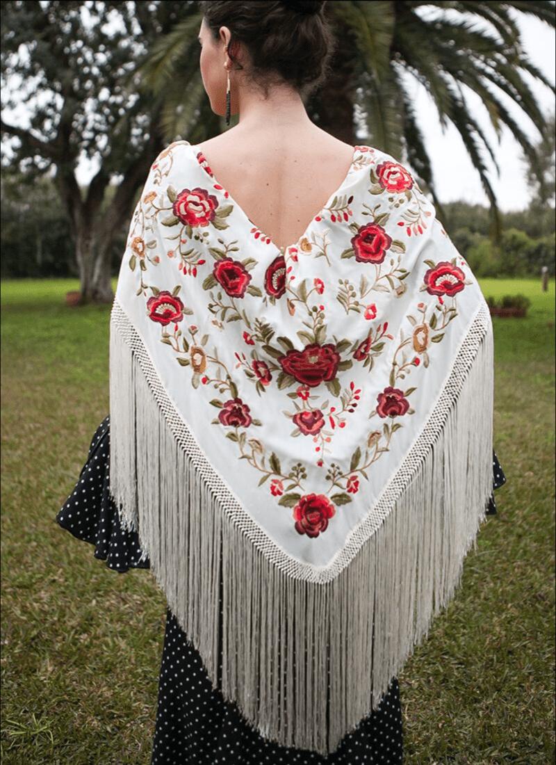 Mantón algodón crudo flores rojas