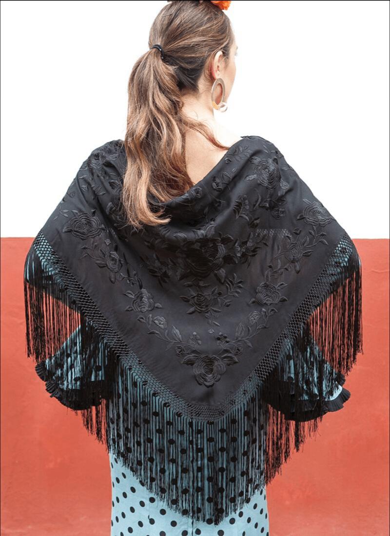 Mantón Negro flores bordadas negras | Mantoncillos de flamenca | TNS