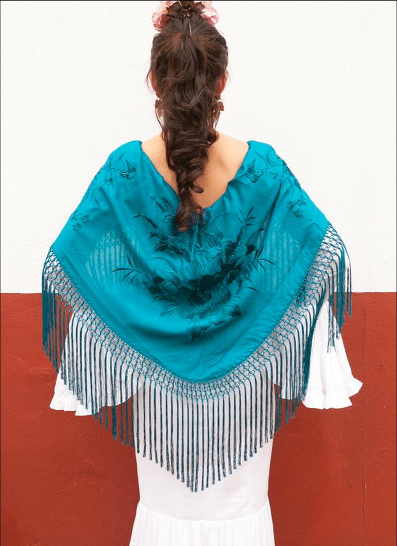 Mantón Turquesa | Flores y seda color turquesa | Mantones de Flamenca