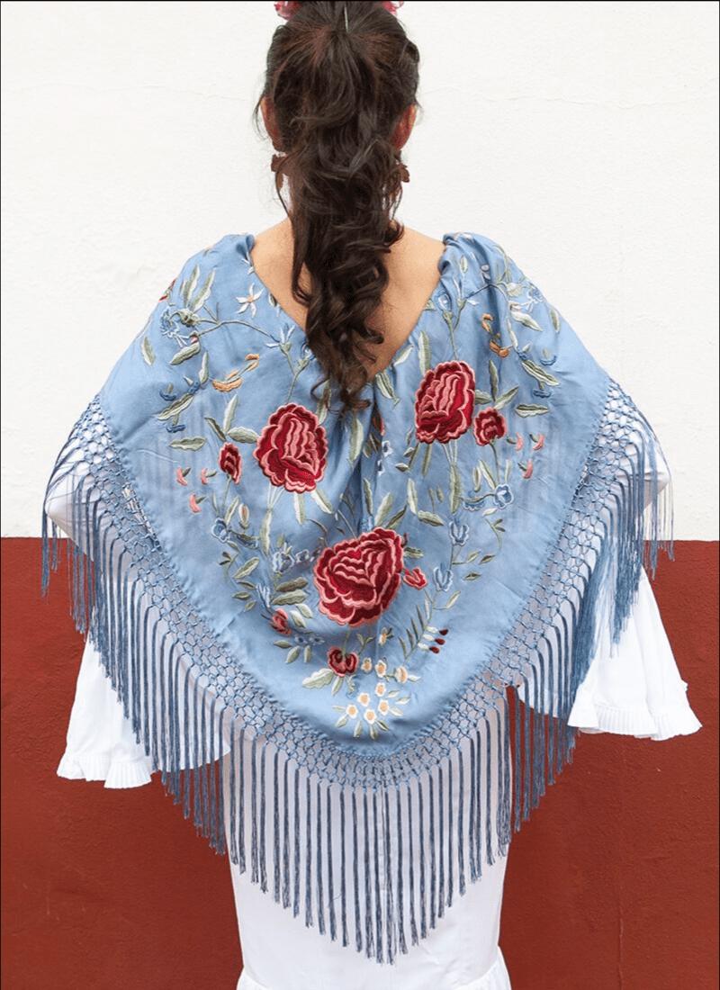 Mantón Seda celeste flores colores